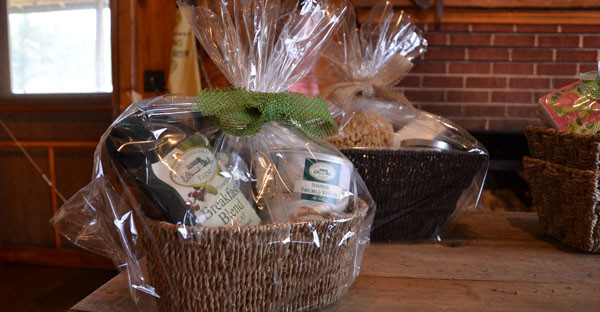 Gift Baskets With Gourmet & Luxury Bath Products